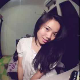 Inez Putri