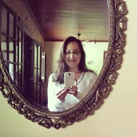Camila Manami