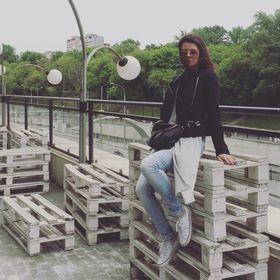 Анна Салагор