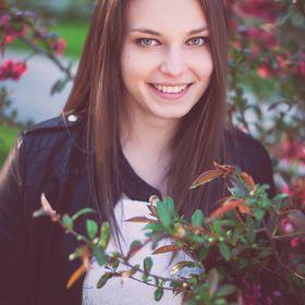 Annabella Sánduly
