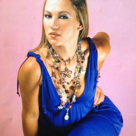 Şarkıcı Valeria Prigogineden hamile. Başarısız teşebbüs veya Halkla İlişkiler taşındı mı