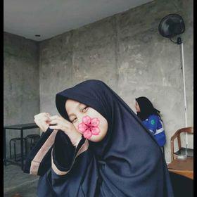 Adelia Nur