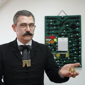Dr. Hajdu