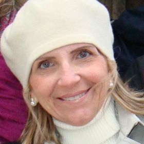 Leila Lopes Scaff