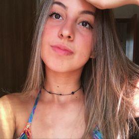 Leticia Michaele