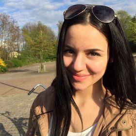 Aylin Lewis