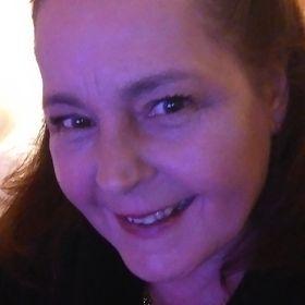 Suzanne (Cake Artist) Readman