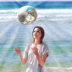 Girl and the Deep Blue Sea - art & photography by Anna Markula
