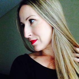 Zoe Nicou