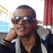 Ari Santos