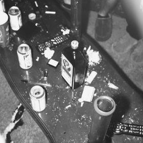 teen smoker<3