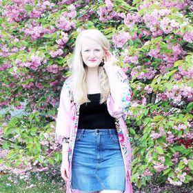Kristin | The Blush Blonde
