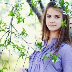 Ashley Molly
