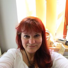 Renata Mguni