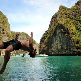 UrlaubsChrisi - A Man's Travel Story