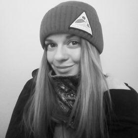 Annamária Popundová