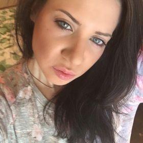 Angie Lia