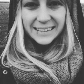 Nina Handel