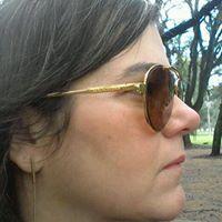Simone Barros Carvalho