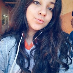 Nicolli Camili Oliveira