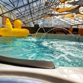 Hot Water Pools & Spas