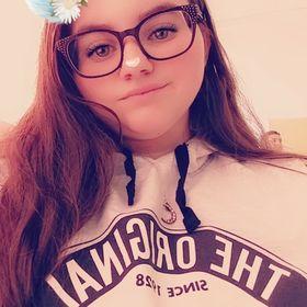 Anissa Van Craeynest