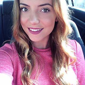 Nadia Pavel