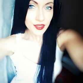 Júlia Kaszonyi