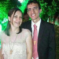 Leane Carvalho