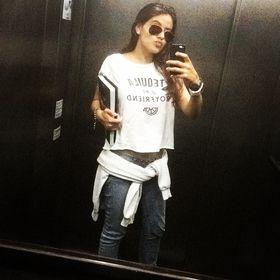 Júlia Cunha