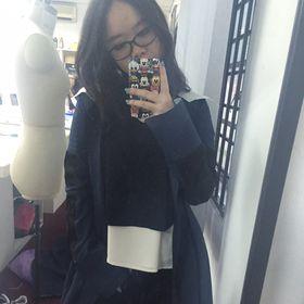 Chresya Tan