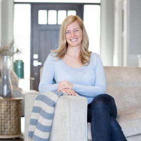 Emily Madill | Self-Empowerment Author & Coach | Strategies to Love Your Life! ❤