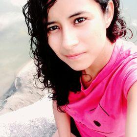 Iris Estrada Castillo
