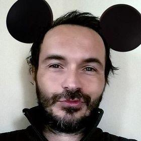 Adam Martinakis