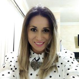 Bernardette Meza