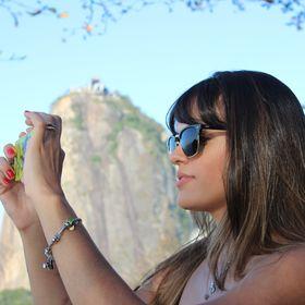 Carolina Maya Moreira