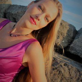Katarzyna Sadej Mezzo-Soprano