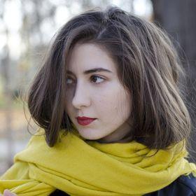 Min Nio (Romina)