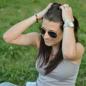 Andreea Zaharof