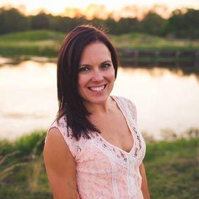 Mandy Leonards