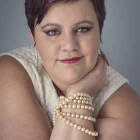 Shannon Baird Portrait Photographer/Confidence Coach