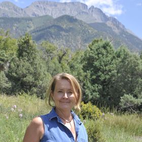 Kim Roberts | Tools for Evolution | Emotional Wellness | Mental Health | Yoga + Meditation Resources
