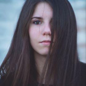 Elena Maxwell