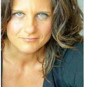 ✦ Paula D'Andrea ✦ Consultant  |  Speaker