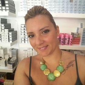 Helia Luciano