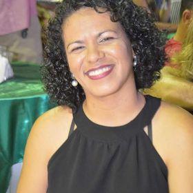 Alyne Araújo