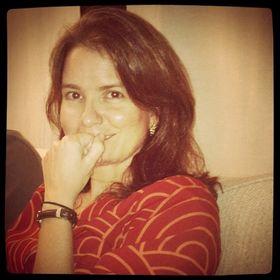 Ana Luiza Macedo