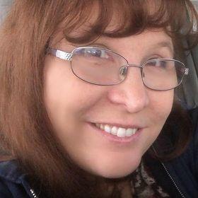 Elisabeth Halligan, BSN, RN, CPN, IBCLC