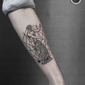 İlkim Koç Tattooer