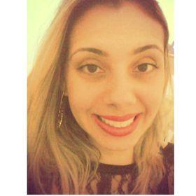 Evelyn Castro - @Casinha407